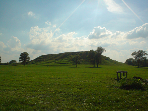 Photo courtesy National Park Service. A picture of one of the mounds at Cahokia.