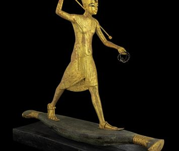 kingtut-as-harpooner_0.jpg