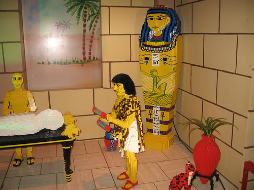 Mummification process depictedin Lego Blocks