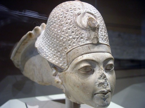 Tutankhamun wearing the Blue War Crown - Image by Tutincommon