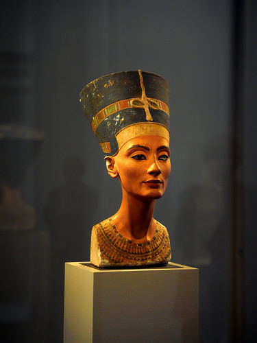 The bust of Nefertiti, gyptisches Museum Berlin