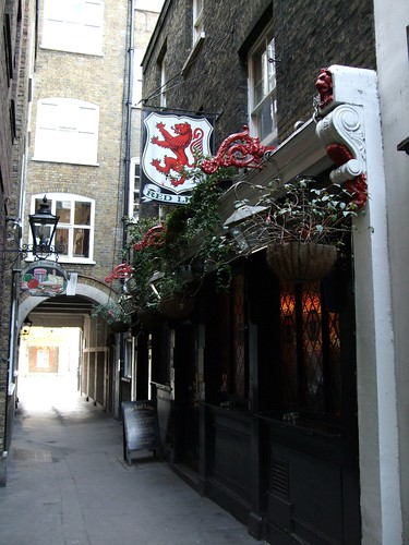 The Red Lion Pub near Pall Mall. Image Credit - Steve Cadman.