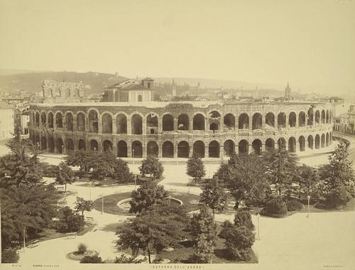 Verona, Piazza Br, Exterior of Arena