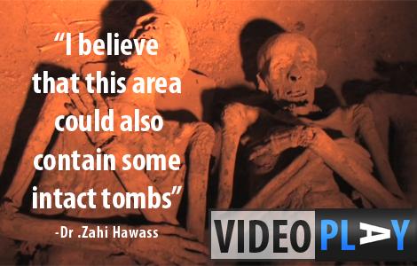 Dr. Zahi Hawass shows the New Discoveries in Drabu el Naga