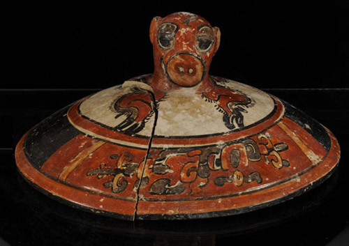 Mayan Treasure from the burial beneath the El Diablo pyramid, Guatamale - Image credit Arturo Godoy